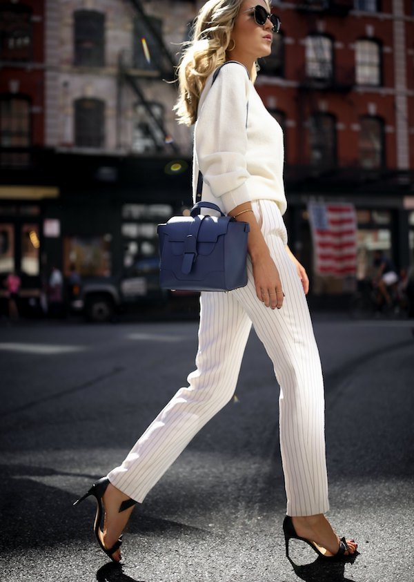 senreve-mini-maestro-work-bag-holds-ipad-laptop-luxury-handbag-functional-working-women-professional-tote10-680x955@2x