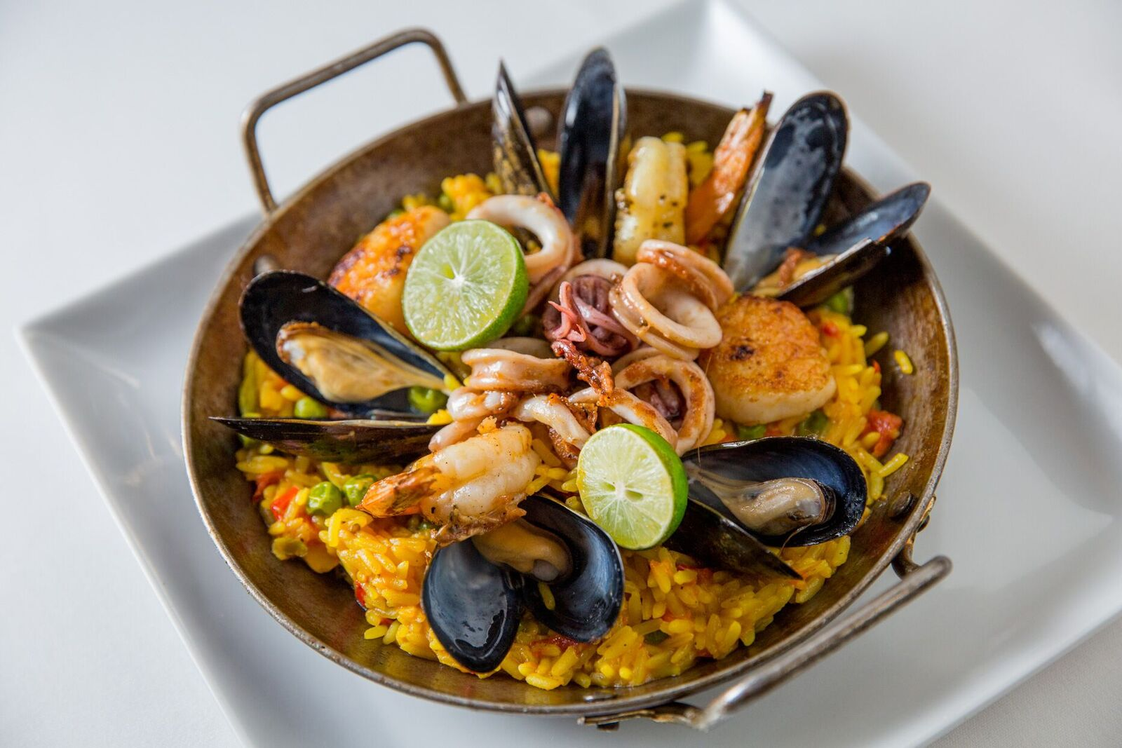 340500_seafood_paella_3822_preview